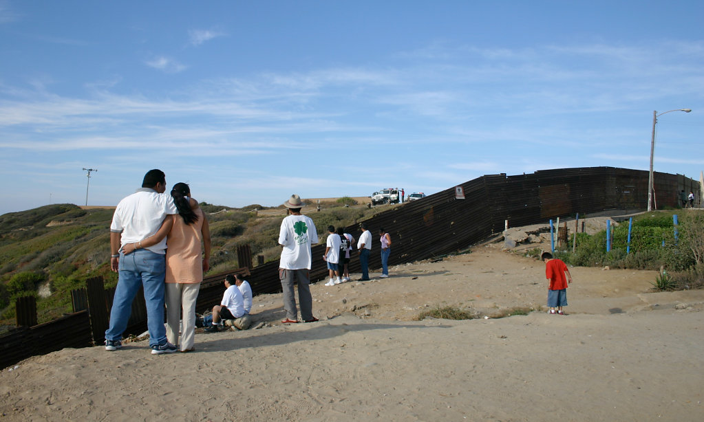 The Border Wall, 2004